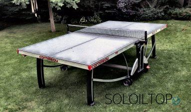 Foto di un modello professionale di tavolo da ping pong