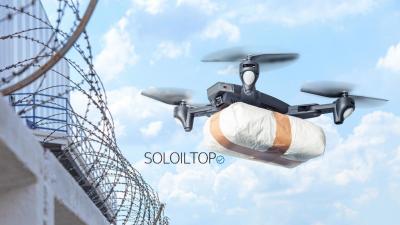 Un drone che fa consegne