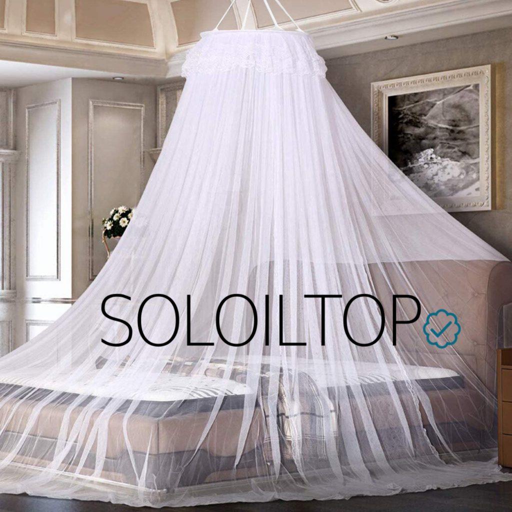 Zanzariera a tenda sul letto